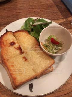 カフェ,ランチ,ワンプレート,チーズ,サラダ,食パン,クロックムッシュ,軽食