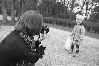 公園,カメラ,親子,休日,ツーショット