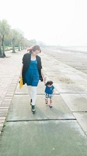 海,公園,木,ビーチ,親子,癒し,休日,ツーショット