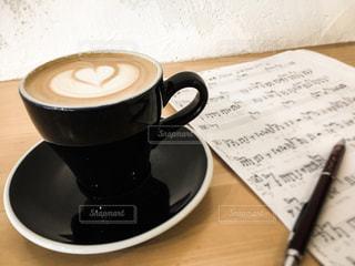 カフェ,楽譜,音楽,カフェラテ,cafe,休日,ラテ,休息,ミュージシャン,音楽家,譜面