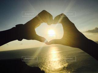 海,夕日,カップル,海外,手,ハート,旅行,バリ島