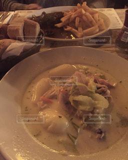 ベルギー,美味しい,郷土料理,ブリュッセル,ワーテルゾーイ,KELDERKE,世界のご飯