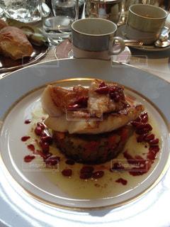 フランス,パリ,美味しい,フランス料理,魚料理,ラデュレ,世界のご飯