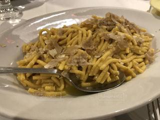パスタ,イタリア,美味しい,トリュフ,ウルビーノ,白トリュフ,La Tartufara,世界のご飯