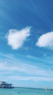 ハワイのビーチのハートの雲 - No.1124367