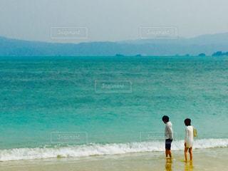 海,夏,カップル,波,沖縄,ツーショット