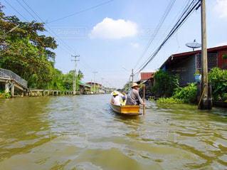 タイの水上マーケットへの道の写真・画像素材[926424]