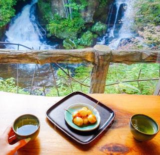 滝と団子の写真・画像素材[1050863]