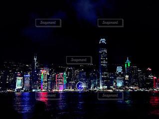 夜の街の景色の写真・画像素材[1681268]