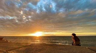 砂浜の夕日の写真・画像素材[3405065]