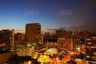 夜の街の景色 - No.957047