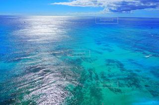 水の大きな体のビューの写真・画像素材[1385306]