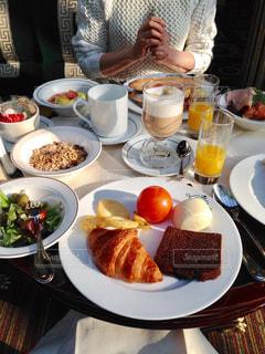 朝食,フランス,パリ,breakfast,Paris,France,Le Café de la Paix,Intercontinental paris le grand,croissant,hot chocolate,インターコンチネンタルパリルグラン
