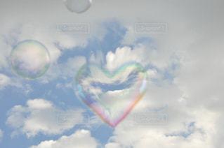 空,LOVE,カラフル,晴れ,青空,レインボー,シャボン玉,ハート,愛,好き,恋愛,恋,虹色,しゃぼん玉