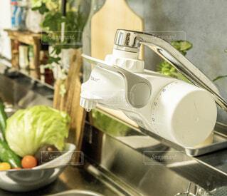 食べ物,キッチン,屋内,果物,野菜,レモン,ハーブ,デトックスウォーター,浄水器,トレビーノ,蛇口直結型