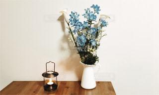 インテリア,花,食卓,花瓶,ランタン,テーブル,flower