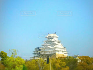 大きな白い建物の写真・画像素材[820172]