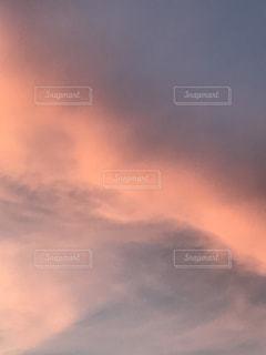 空,ピンク,雲,夕焼け,幻想的,rain,梅雨,rainy season,梅雨夕焼け,梅雨夕焼け空,rainy season sunset