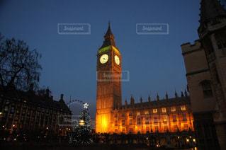 クロック タワーは夜ライトアップ - No.957998