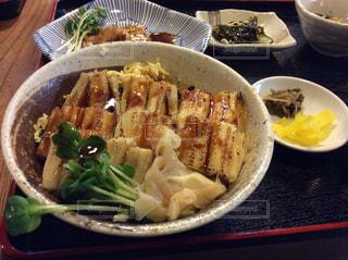 食べ物,魚料理,食,博多,対馬,煮穴子丼