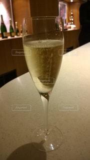 冷たいシャンパンの写真・画像素材[2165208]