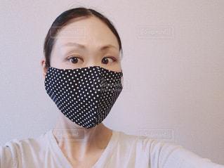 お洒落なマスクをした女性の写真・画像素材[3297948]