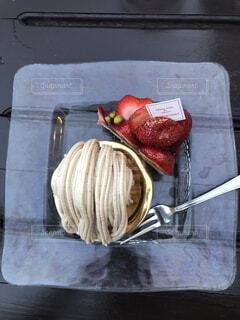 いちごのショートケーキとモンブランの写真・画像素材[4955892]