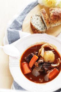 シチュー料理とパンの写真・画像素材[1038073]
