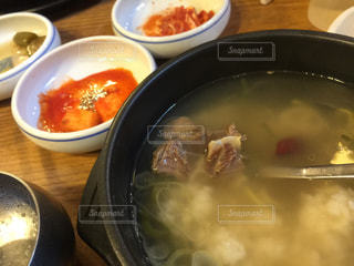 ソウルの牛肉スープの写真・画像素材[2074276]