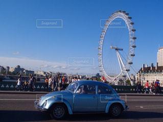 車と観覧車の写真・画像素材[1138179]
