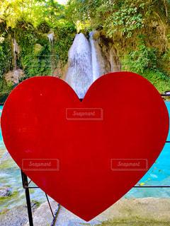 自然,風景,景色,滝,ハート,旅行,フィリピン,セブ,海外旅行,セブ島,インスタ映え,カワサン滝,カワサンフォール