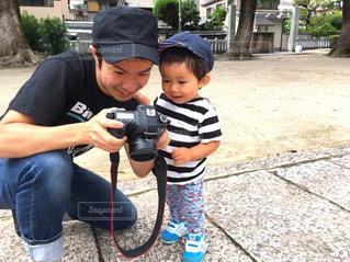 少年野球バットを握るの写真・画像素材[1251256]