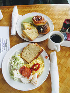 コーヒー,朝食,パン,楽しい,朝ごはん,ハワイ,美味しい,ソーセージ,ワイキキ,オアフ島,エッグ,キレイ,ショアバード