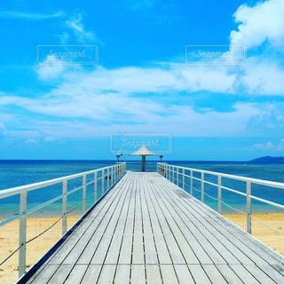 海,夏,晴れ,青,観光,旅行,パラソル,桟橋,石垣島,レジャー,天気,お散歩