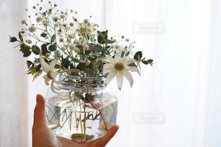ガラスの花瓶の花の花束の写真・画像素材[944773]