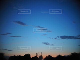 空には雲のグループの写真・画像素材[1269334]