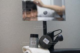 男性,水,タオル,ワックス,メガネ,洗面台