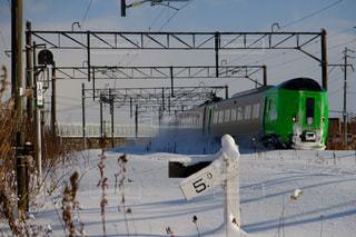 雪中列車の写真・画像素材[1674351]