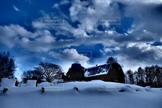 冬の牧場の写真・画像素材[1784040]