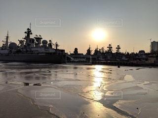 海,空,太陽,船,水面,氷,光,旅行,ロシア,日中,ウラジオストク