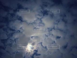空に雲の群しをするの写真・画像素材[2440632]