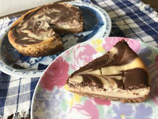 皿の上のケーキの写真・画像素材[2278455]