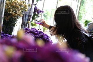 女性,風景,花,カメラ,自撮り,東京,かわいい,フラワー,紫,室内,女の子,人物,セルフィー,人,iphone,ポートレート,一眼レフ,canon,草木,花屋,ニコライバーグマン,セルフショット,インカメ