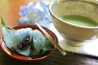 和菓子と抹茶のクローズアップの写真・画像素材[3375724]