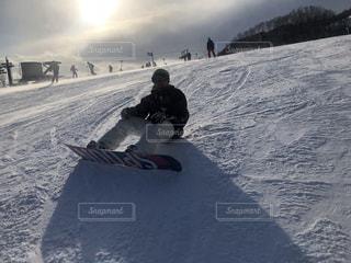 男性,アウトドア,スポーツ,雪,人物,ゲレンデ,レジャー,スキー場,スノーボード,斜面,ウインタースポーツ