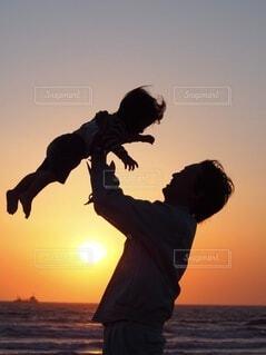 親子sunsetの写真・画像素材[3655893]