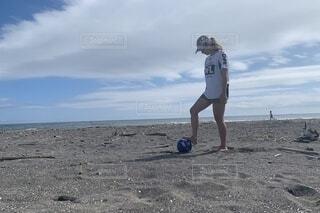 ビーチサッカー女子の写真・画像素材[3828835]