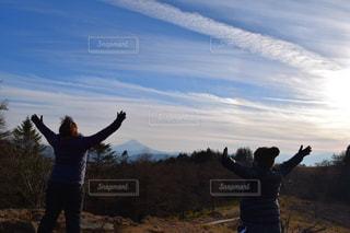 女性,20代,空,富士山,山,登山,旅行,ツーショット,笠取山