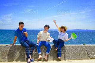 ビーチの人々 のグループの写真・画像素材[1329657]