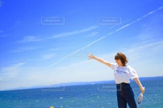凧の飛行男の写真・画像素材[1880947]